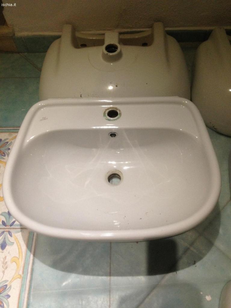 Annunci mercatino usato ad ischia lavabo modello liuto for Ideal standard liuto