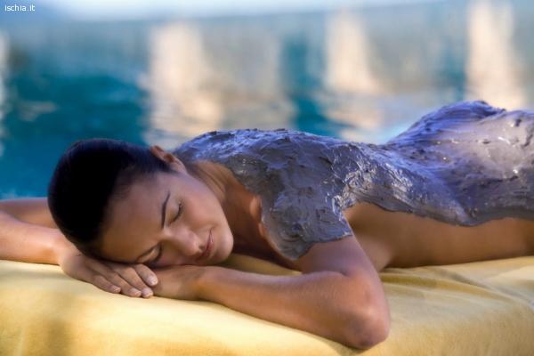 Ricerca Estetista - Massaggiatrice esperta.