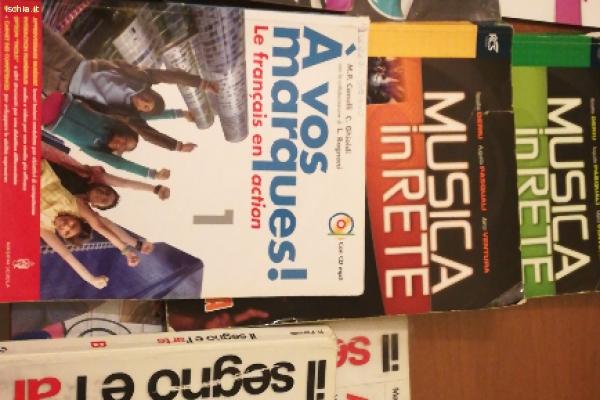 Vendo libri scuola medie scotti