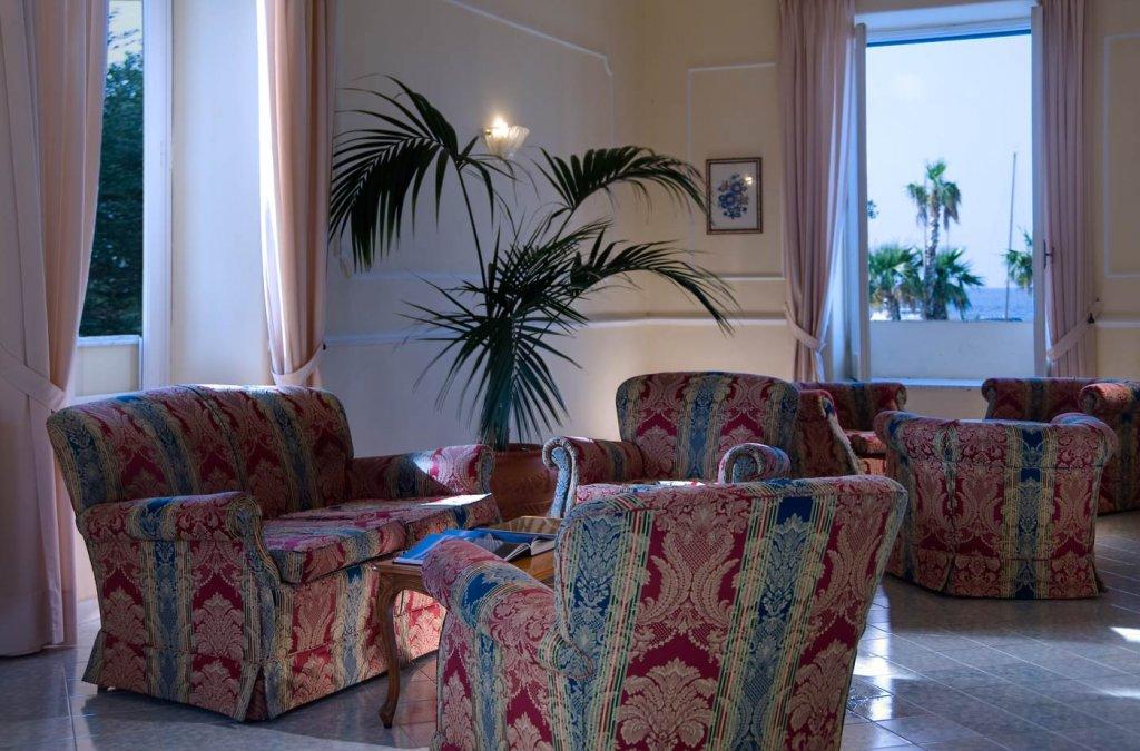Bagni Termali Svizzera : Ischia albergo terme villa svizzera