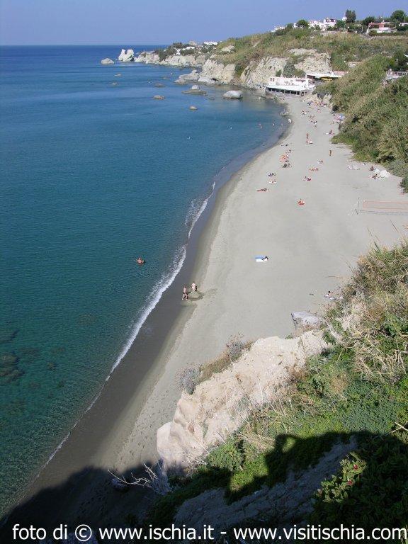 Ischia It Sorgenti Ad Ischia Spiaggia Di Cava Dell Isola