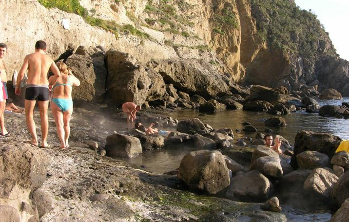 Sorgeto beach