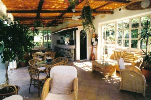 Hotel Villa Melodie il bar sulla piscina
