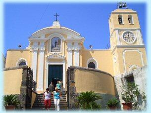 Residence Baia di Sorgeto, la chiesa di San Leonardo